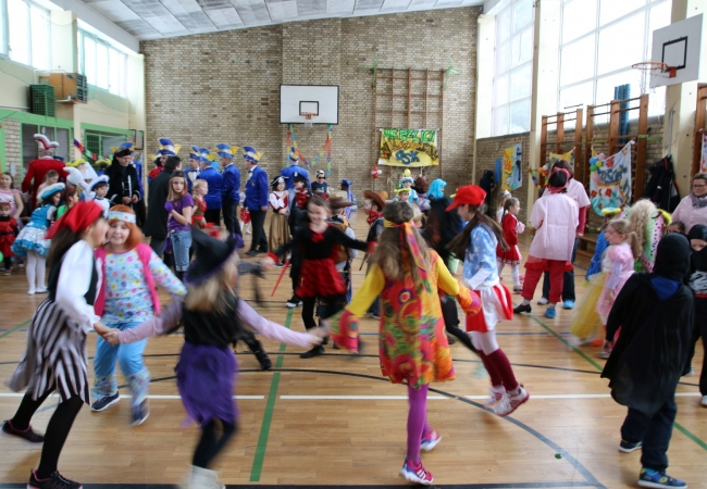 51-05_kinderfasching_06