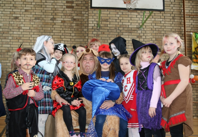 51-05_kinderfasching_69
