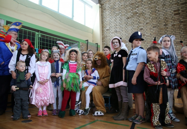 51-05_kinderfasching_70